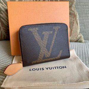 👛Louis Vuitton Giant Collection Zippy Coin 👛